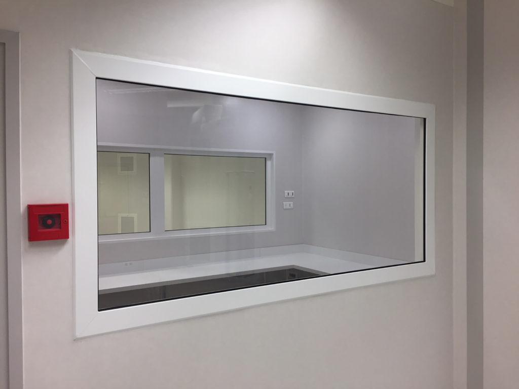 Châssis intérieur salle d'imagerie à Libourne
